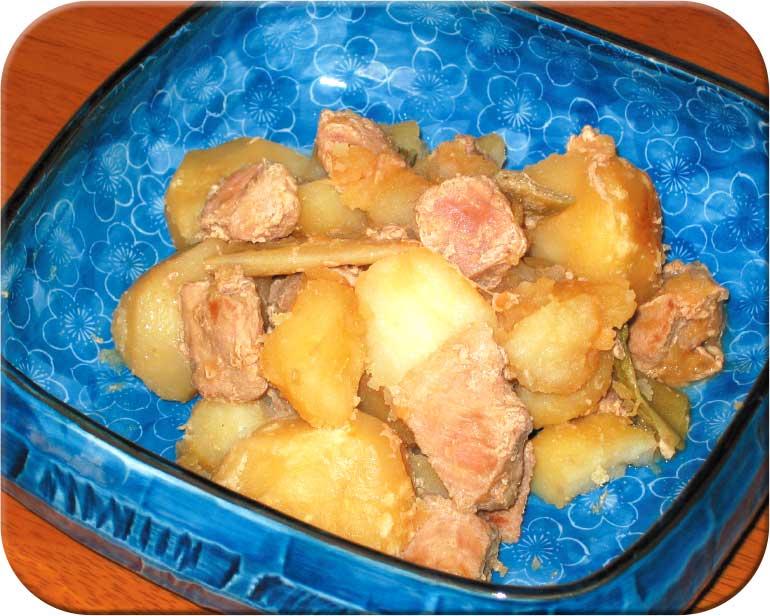 豚肉とジャガイモの煮物