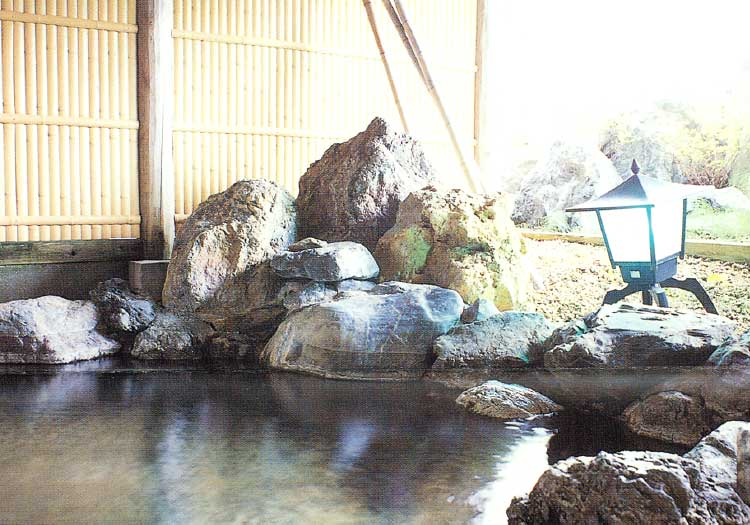 知内町健康保養センターこもれび温泉の露天風呂