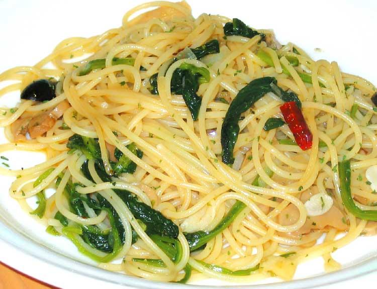 ブォン・ヴィアッジョのニンニクと唐辛子のスパゲッティ