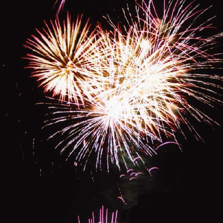 大沼湖水祭りの花火大会