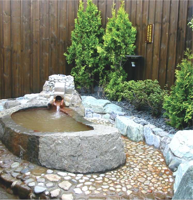 花の湯家族風呂花家族の露天風呂