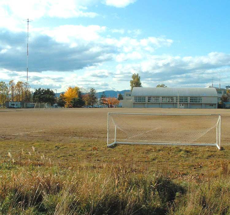 亀田中学校のグラウンド