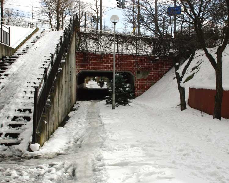 函館の自転車専用道路にあるトンネル