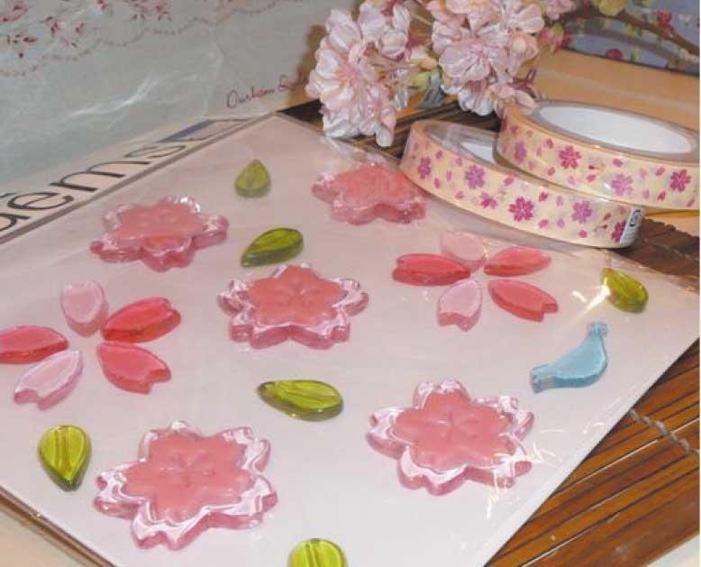 桜のキャンドルとキャンドルホルダー