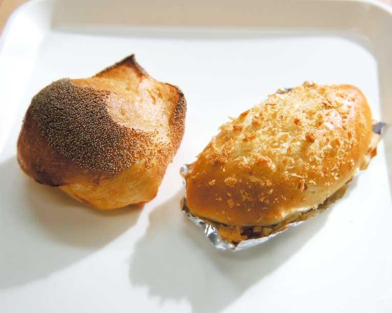 パンのほりかわのケシミミフランスとカレーパン