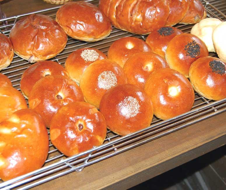 ジョリジュワジョイスのあんパンとクリームパン