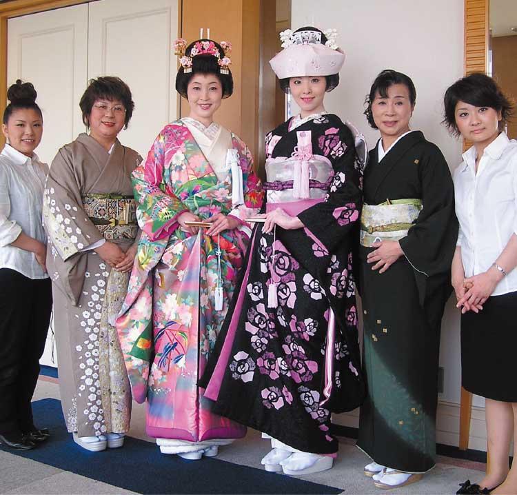 青木幸子着付教室の講師と生徒