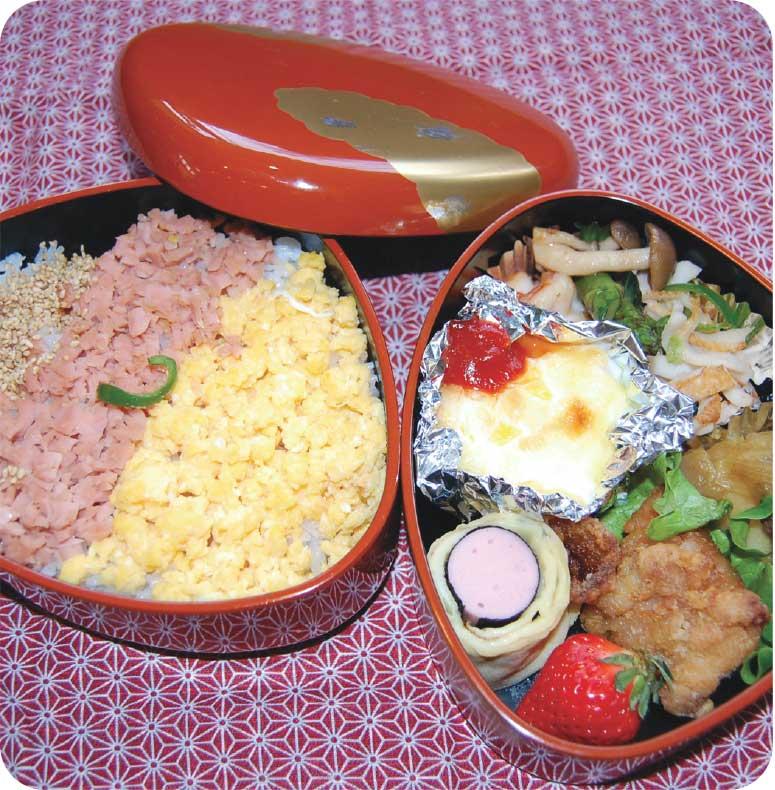 魚肉ソーセージと玉子の三色そぼろ