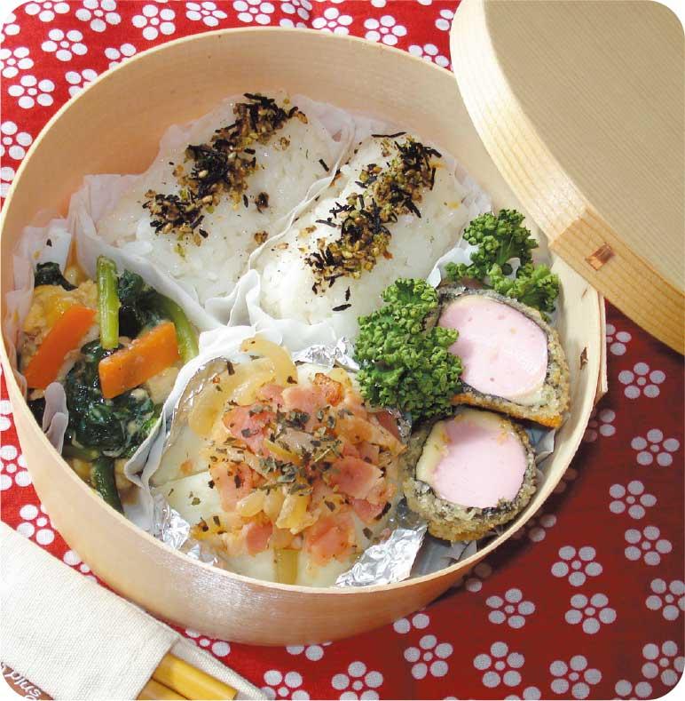 魚肉ソーセージの海苔チーズ巻きフライがおかずのお弁当