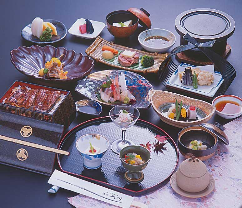 湯元入川の宴会コース料理