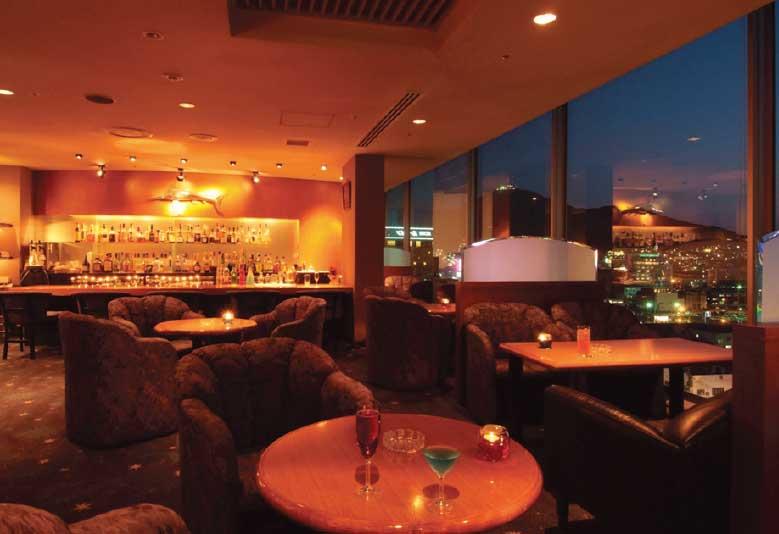 ホテルリソル函館最上階のバー ファースト店内