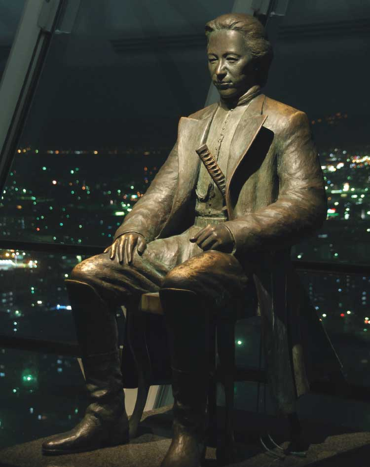 五稜郭タワー内にある土方歳三の像