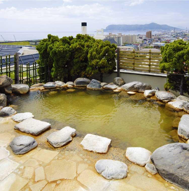 湯元啄木亭の露天風呂