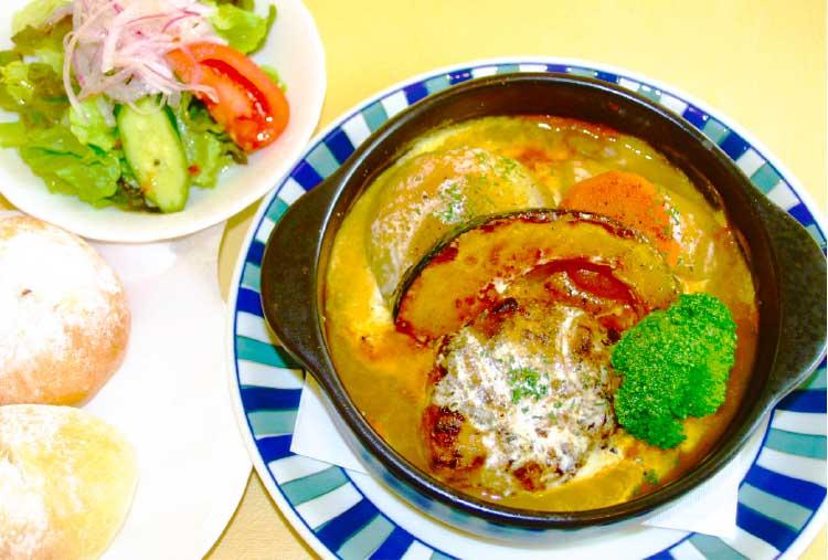 マンマボーノの野菜ソース煮込みハンバーグ