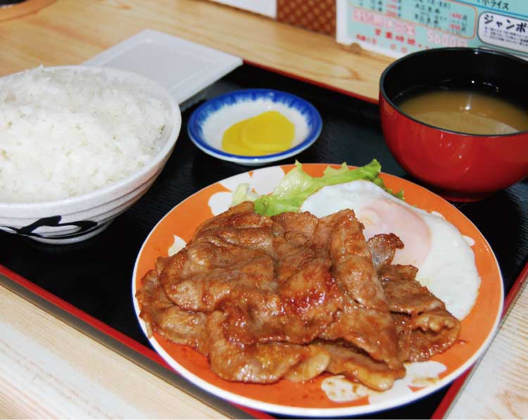 たつみ食堂の焼肉(しょうが焼き)