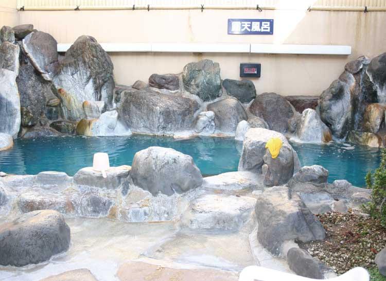 函館健康センター湯都里の露天風呂