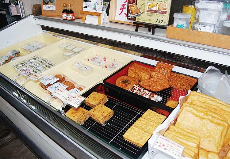 勝田豆腐店のショーケース