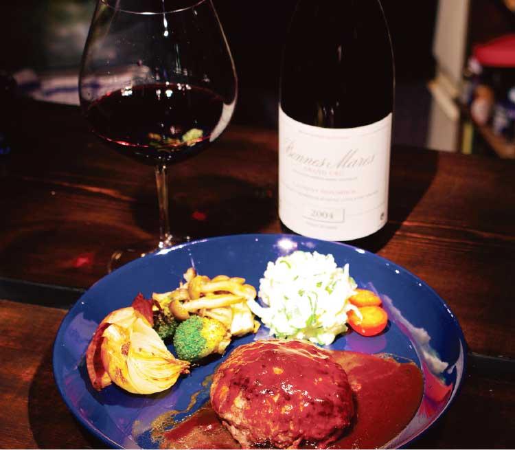 カサ・フロールの和牛ハンバーグと赤ワイン