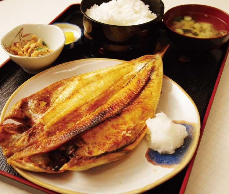 寿司・食堂公楽のホッケ定食