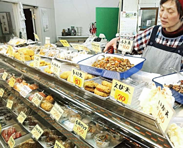 銀座魚菜市場さか精肉店惣菜部のお惣菜ショーケース