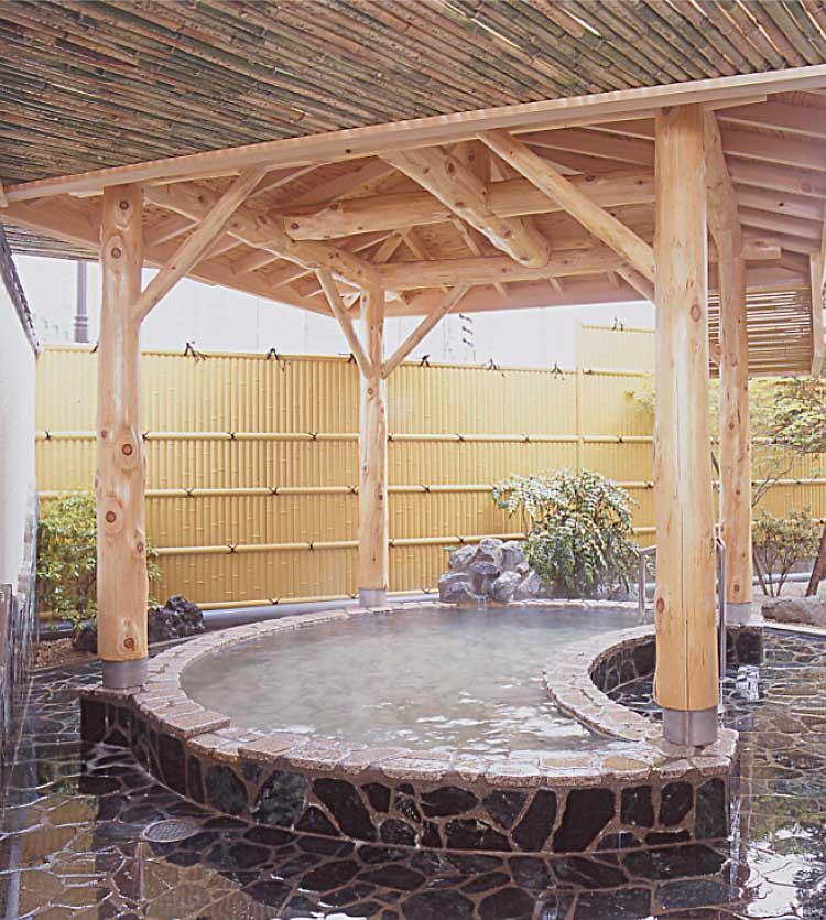 湯元入川の露天風呂