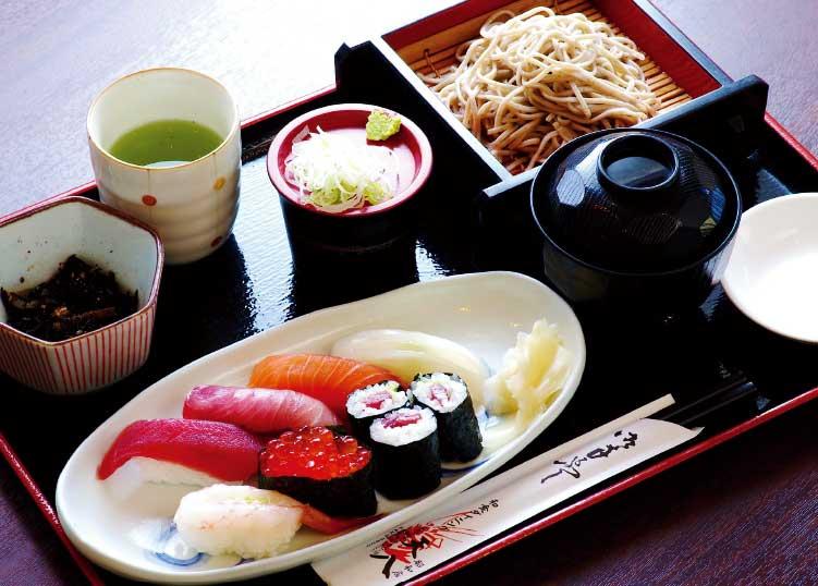和食ダイニング天八昭和店のすしランチ