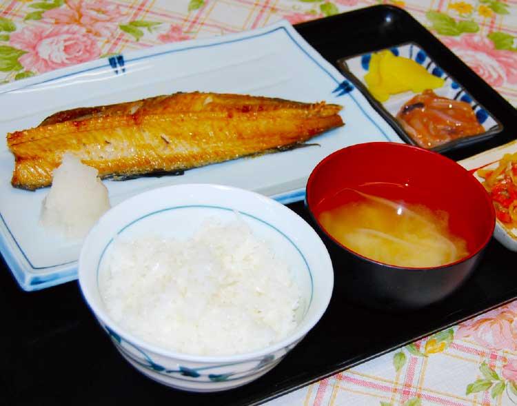 魚いち亭のほっけ開定食