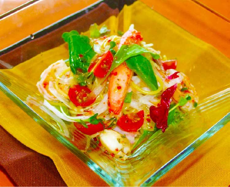 ピッツェリアアモリーノの魚介と夏野菜の冷製パスタ