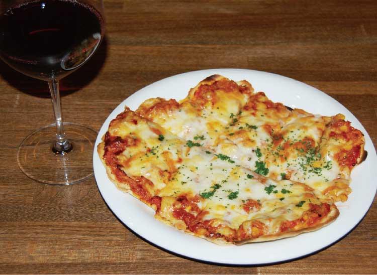 Bar STEMのワインとピザ