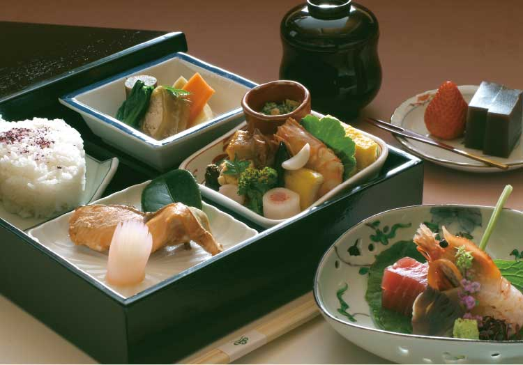 割烹旅館若松の松花堂弁当