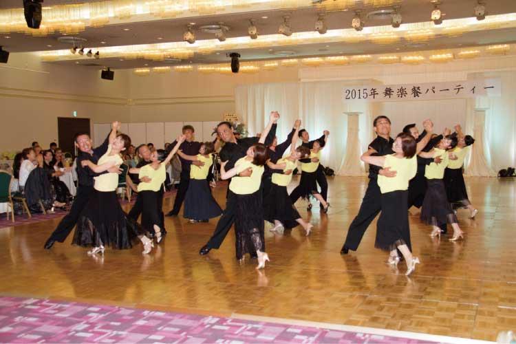 ダンス・スタジオ滝澤のレッスン風景