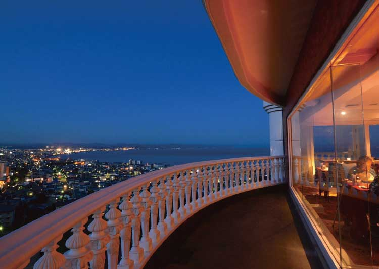パノラミックのテラスから見える夜景