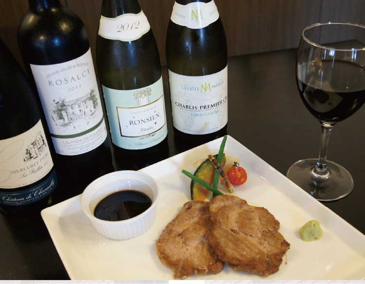 熊猫社中洋食キッチンSatoのルスツ産ポークのソテーとワイン