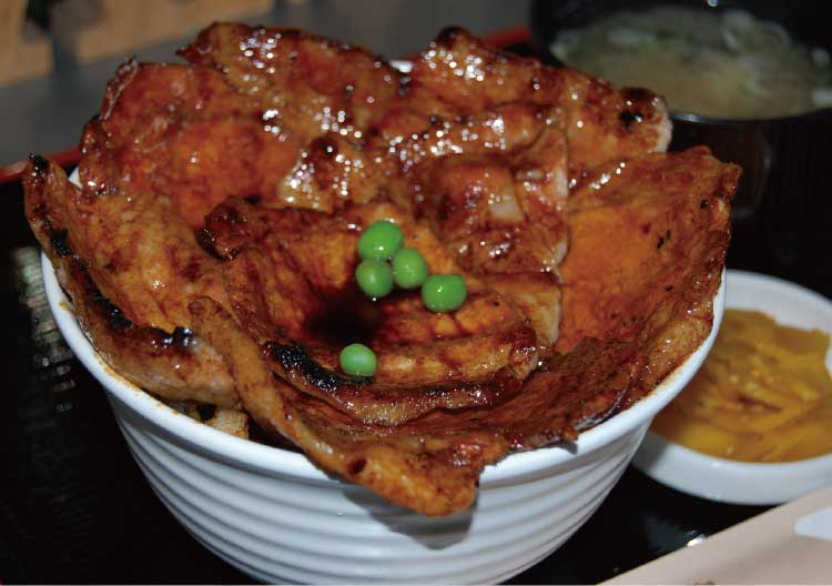 豚丼ポルコ十勝特製豚丼