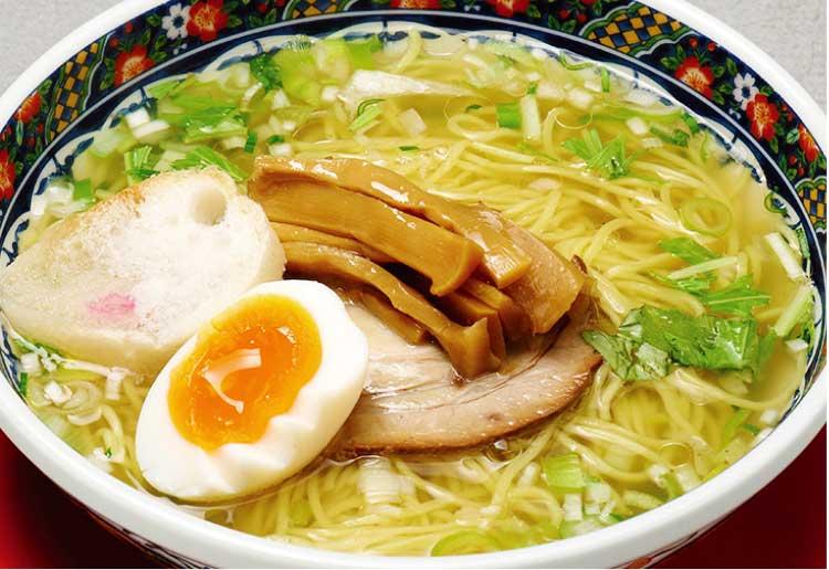 麺厨房あじさい本店の味彩塩拉麺