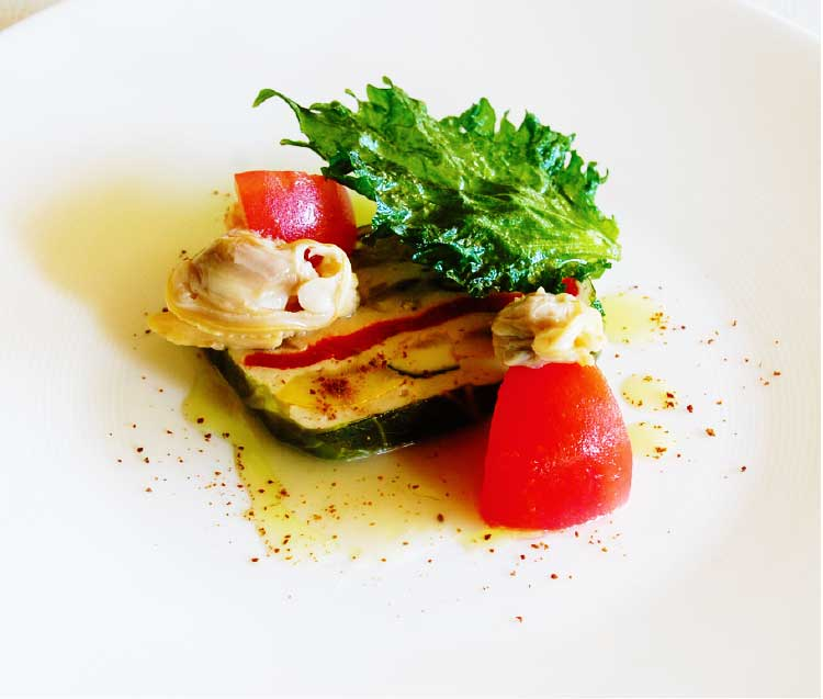レストラン・ブランヴェールの夏野菜と鶏ひき肉のテリーヌ