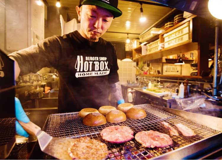バーガーショップHOT・BOXが焼くハンバーガー