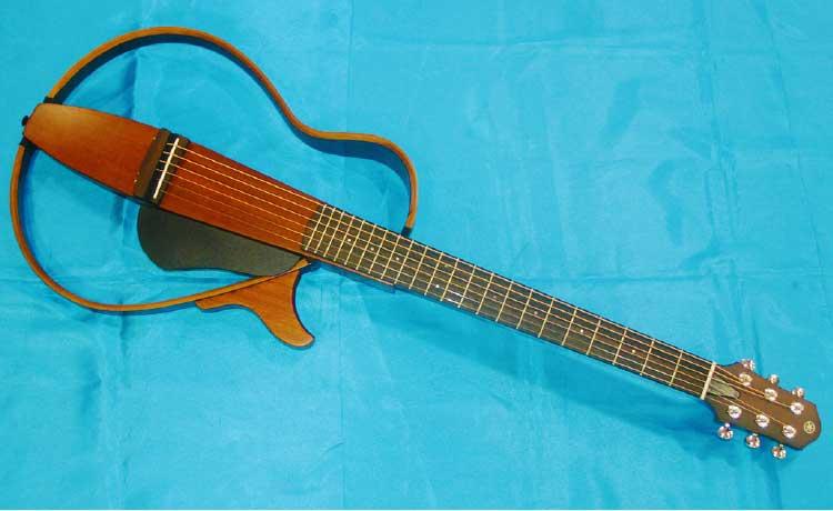 ヤマハのサイレントギター