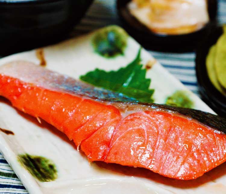 カネイチ長谷川商店の北洋産の紅鮭