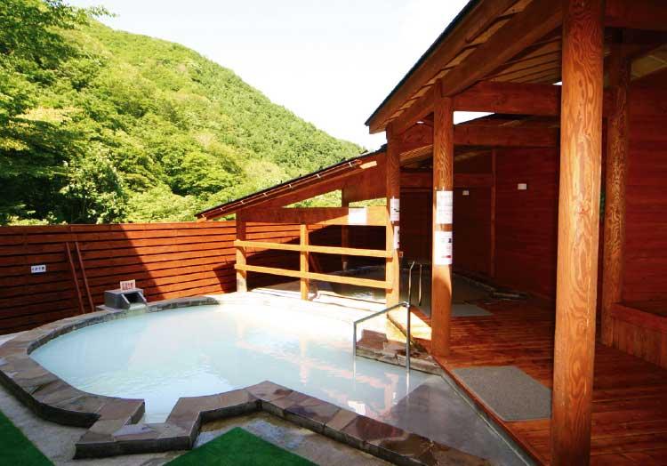 函館ひろめ荘の露天風呂