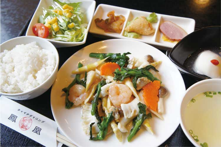 菜の花と細竹と海の幸の海醤(ハイジャン)炒め