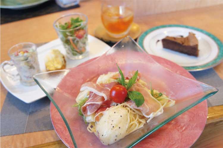 スパゲッティ屋 於 桃とプロシュートの冷製パスタ