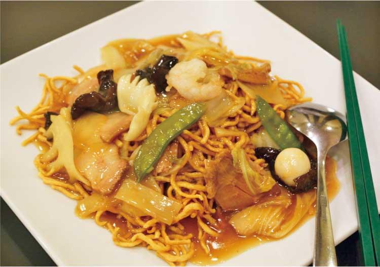 中国料理 東春 かたい焼きソバ