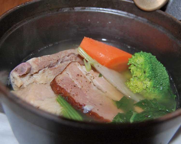 バルテュス 塩漬けスペアリブとベーコンの煮込み