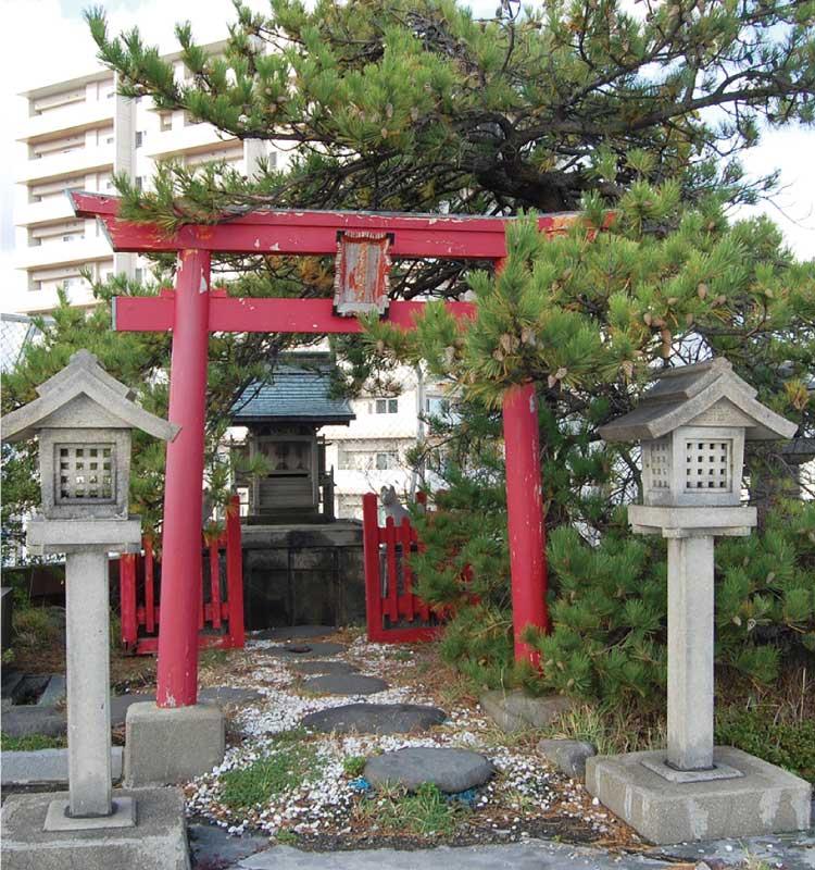 棒二森屋屋上の神社