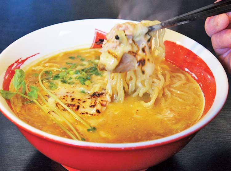 らーめん旭昭和本店 味噌カレーラーメン 焼きチーズのせ