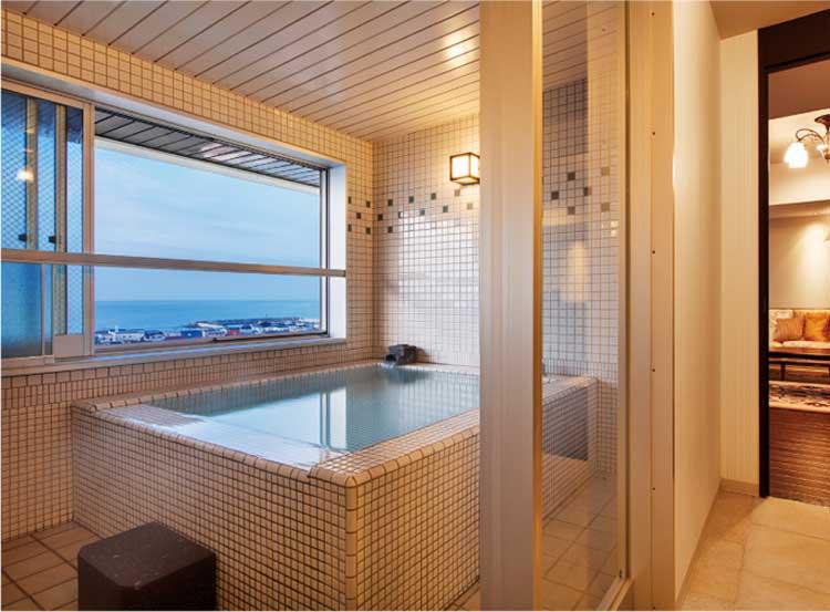 HAKODATE 海峡の風 津軽海峡や下北半島が望める展望風呂付きの客室