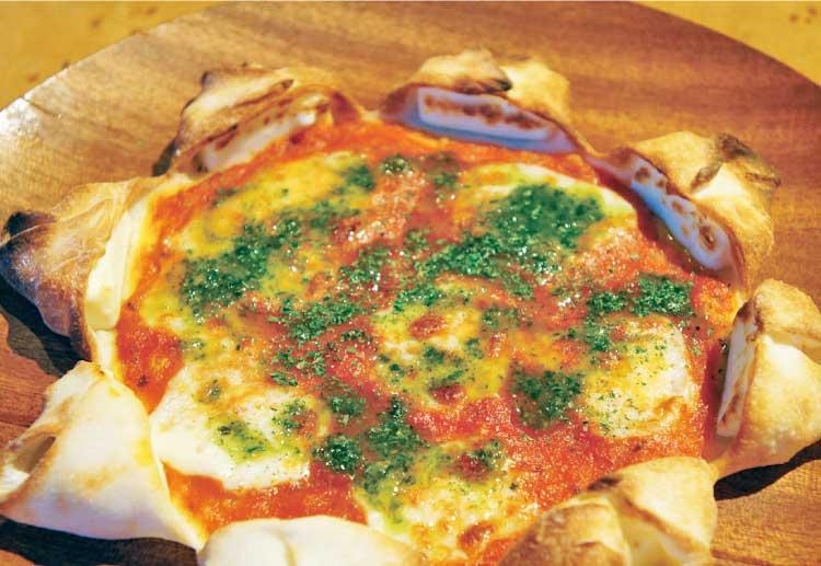 レストラント ラトナのミミにクリームチーズが入ったちょっと可愛いマルゲリータ