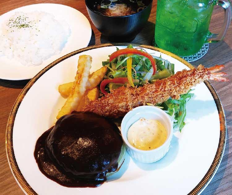 『レストラン グランフォレスト』の手ごねハンバーグ&エビフライプレート