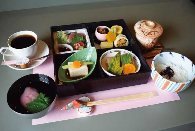 『味暦 京佳』の松花堂弁当